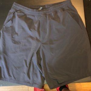 Men lulu lemon shorts size large black